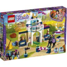 LEGO® Friends - Stephanie díjugrató pályája (41367)