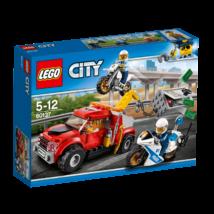 LEGO® City - Bajba került vontató (60137)